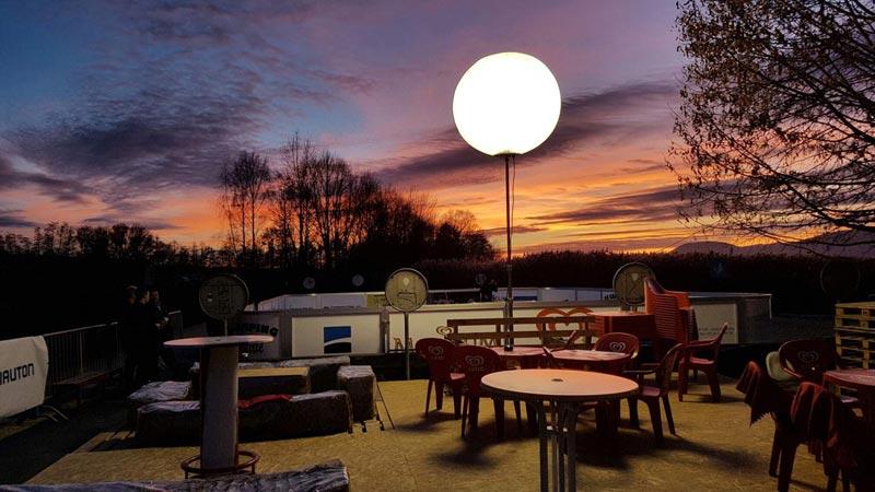 Ballon Lumineux - Buvette au crépuscule